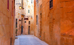How to plan a company retreat in Malta?
